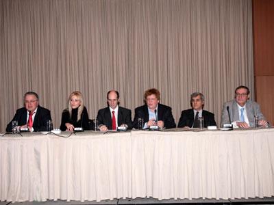 Το πάνελ των ομιλητών. Διακρίνονται από αριστερά: Χαρ.Εγγλέζος, Μαίρη Τζιβελέκα, Κων.Βέργος, Θαν.Μαυρίδης, Στ.Κοτζαμάνης, Αλ.Μωραϊτάκης